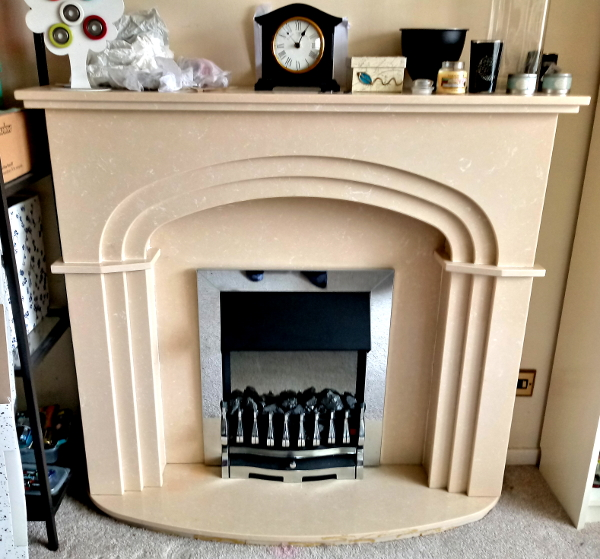 '80s deco hearth