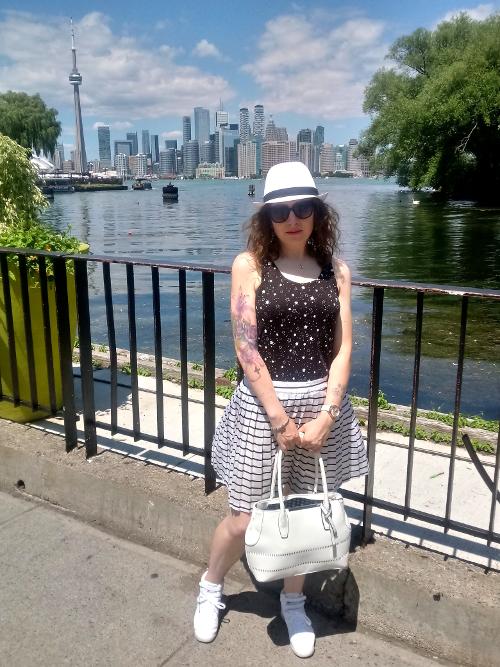 Dee on the Toronto Islands
