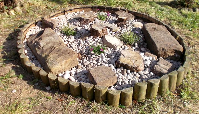 Garden roundel