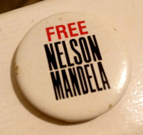 'Free Nelson Mandela' badge