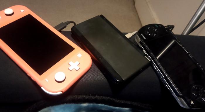 Gaming handhelds